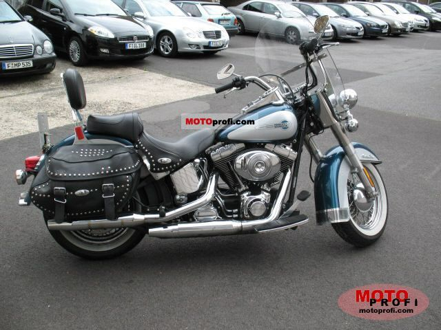 Harley-Davidson FLSTCI Heritage Softail Classic 2004 photo