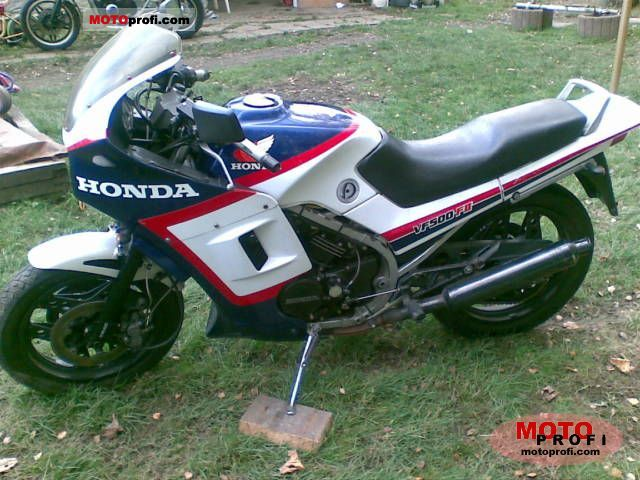 Honda VF 500 F 2 1985 photo