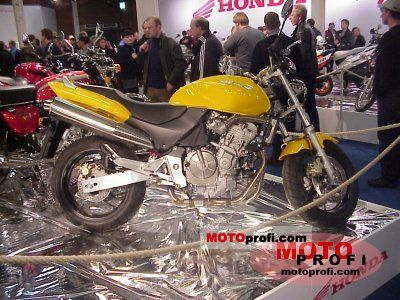 Honda CB 600 F Hornet 2000 photo