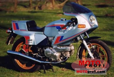 Ducati 500 Pantah 1979 photo