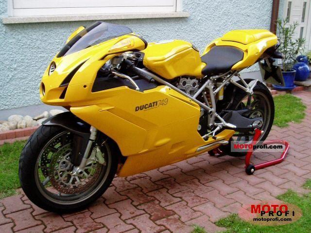 Ducati 749 2004 photo