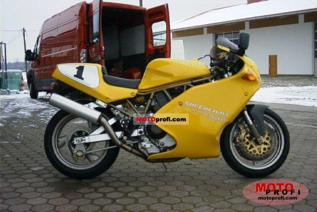 Ducati 900 Superlight 1995 photo