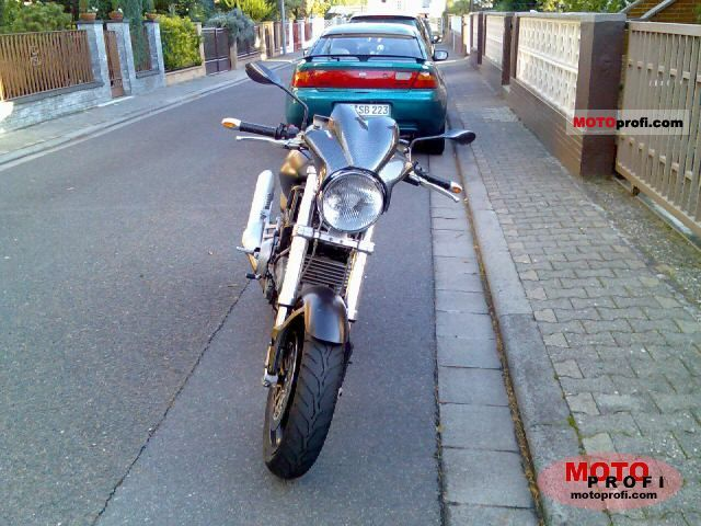 Ducati Monster 900 i.e. Dark 2002 photo