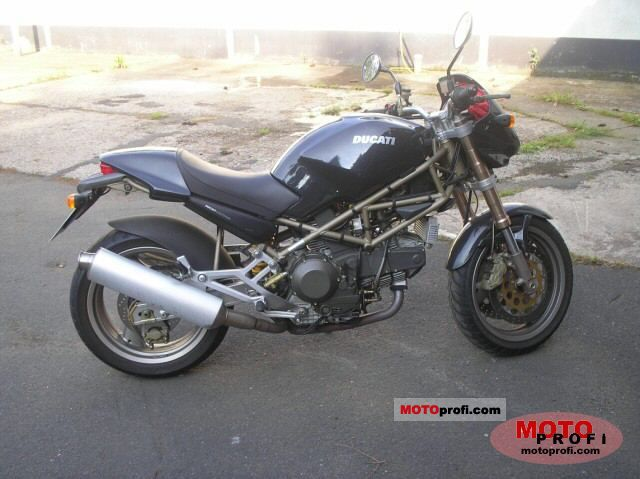 Ducati 900 Monster 1998 photo