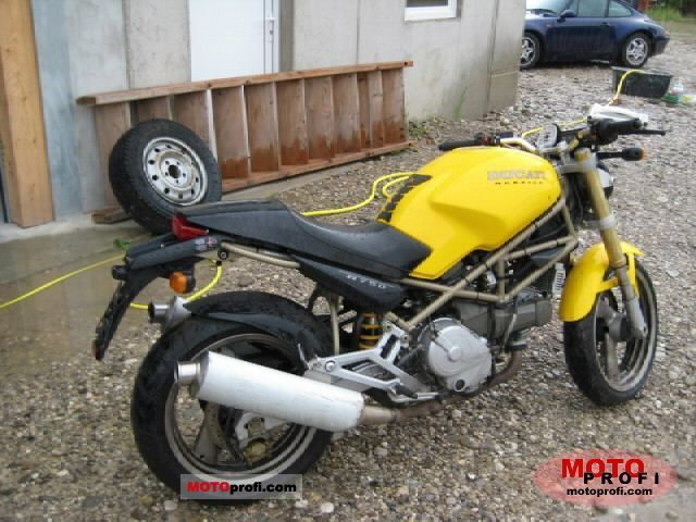 Ducati 750 Monster 1998 photo