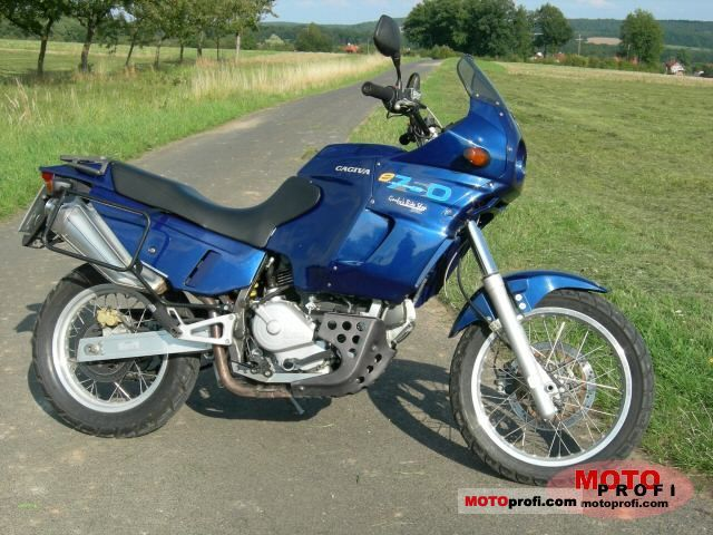 Cagiva 750 Elefant 1995 photo