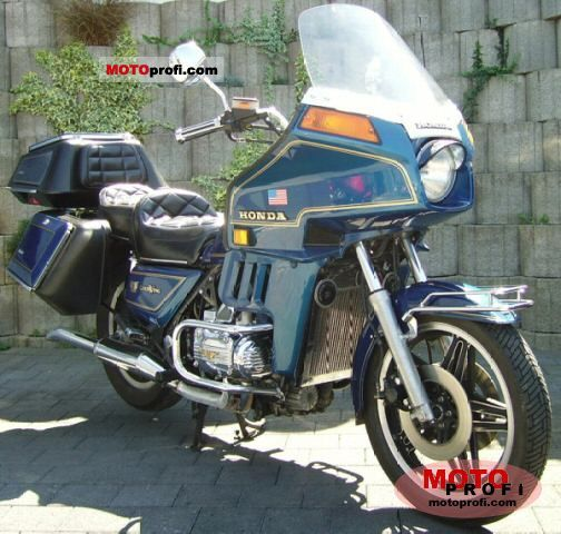 Honda GL 1100 Gold Wing 1981 photo