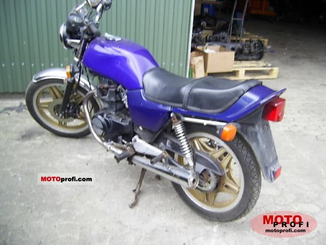 Honda CB 400 N 1982 photo