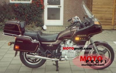 Honda GL 500 Silver Wing (reduced effect) 1982 photo