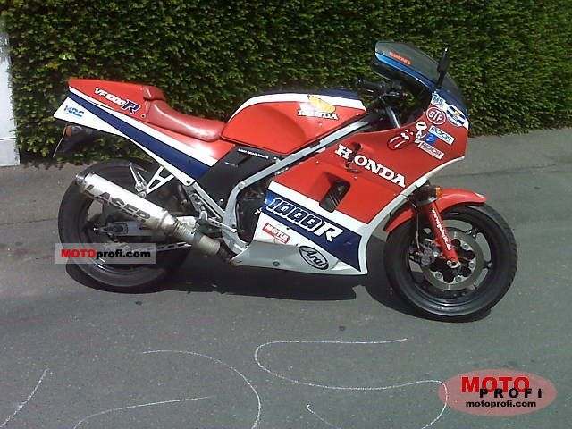 Honda VF 1000 R 1984 photo