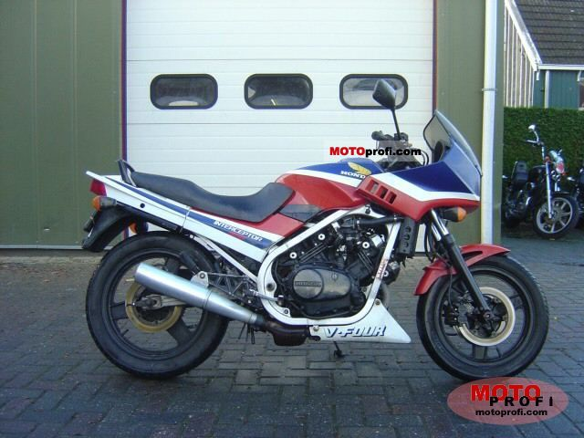 Honda VF 500 F 1986 photo