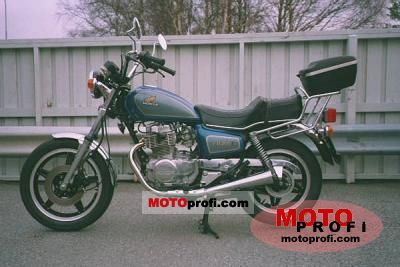 Honda CM 400 T (reduced effect) 1981 photo