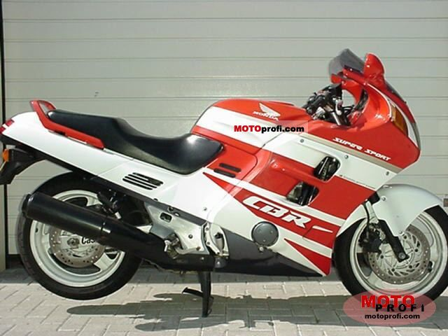 Honda CBR 1000 F 1992 photo