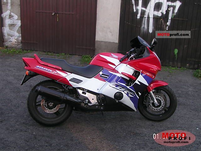 Honda CBR 1000 F 1996 photo