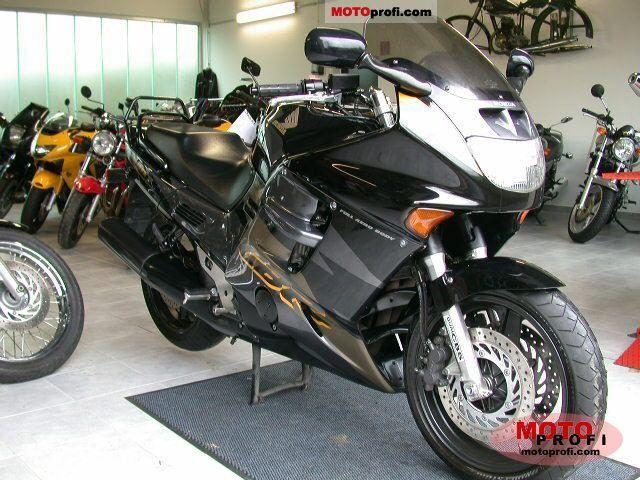 Honda CBR 1000 F 1998 photo