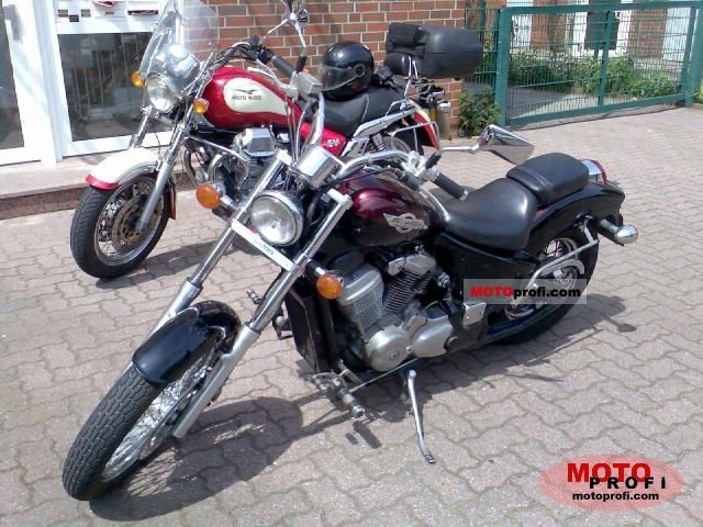 Honda VT 600 C Shadow 1996 photo
