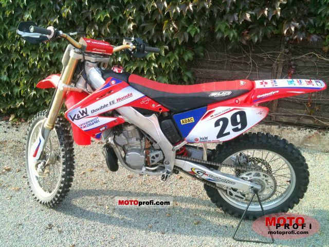 Honda CR 250 R 2005 photo