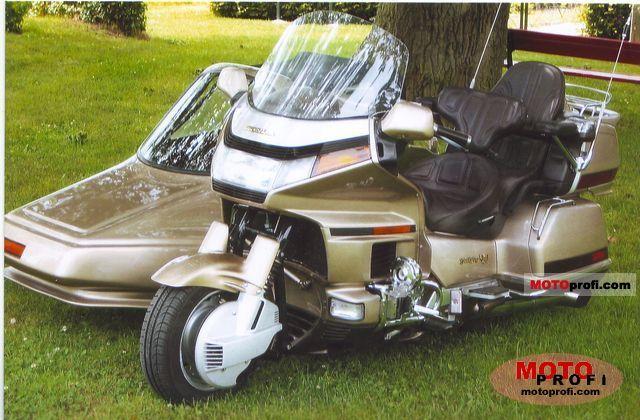Honda GL 1500/6 Gold Wing 1989 photo