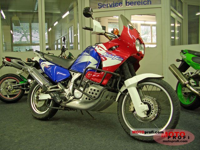 honda africa twin 750 specifications. Black Bedroom Furniture Sets. Home Design Ideas