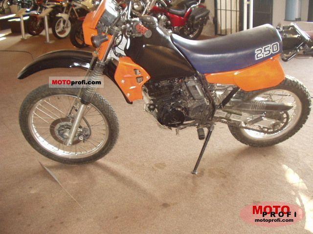 Kawasaki KLR 250 1987 photo