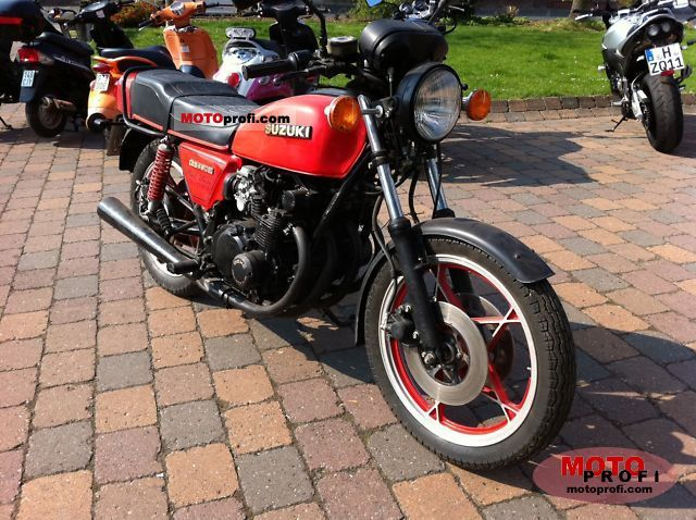 Suzuki GS 550 E Red Suzi 1981 photo