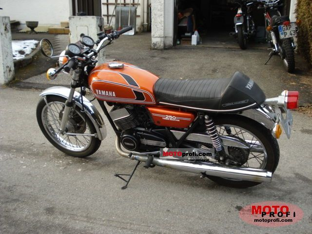 Yamaha Rd 250 1975 Specs And Photos
