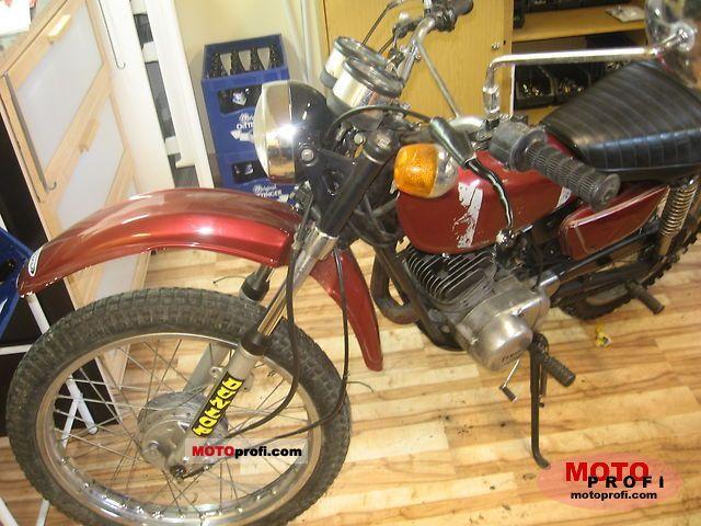 Yamaha DT 125 E 1977 photo
