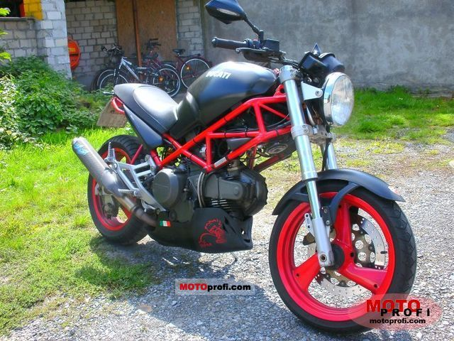 Ducati Monster M600 Dark 1999 photo