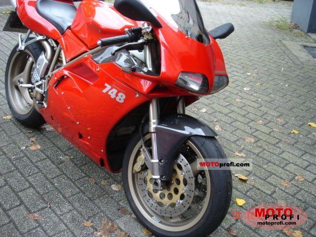 Ducati 748 Biposto 1997 photo