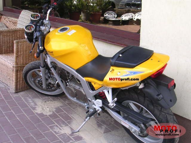 Review of Hyosung Comet 250 2003: pictures, live photos
