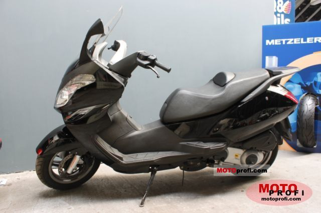 Aprilia Atlantic 125 2006 photo