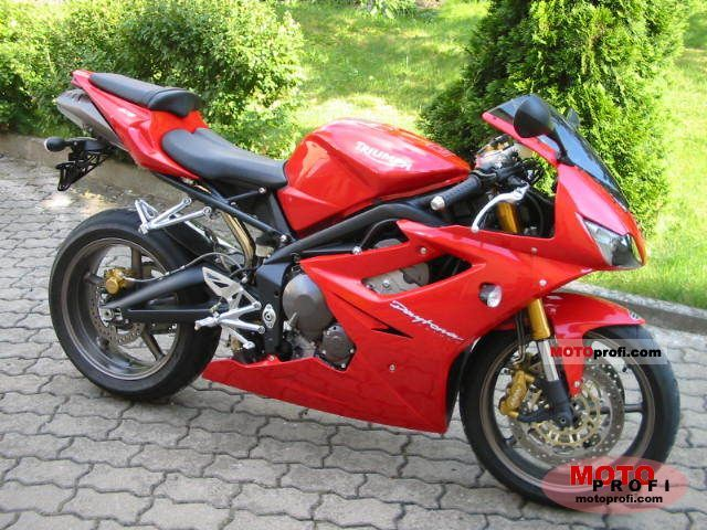 Triumph Daytona 675 2006 photo