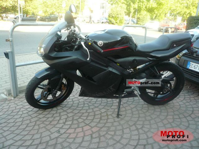 Yamaha TZR 50 2006 photo