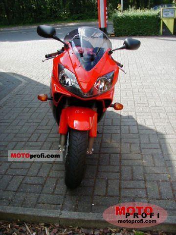 Honda CBR 600 F 2007 photo
