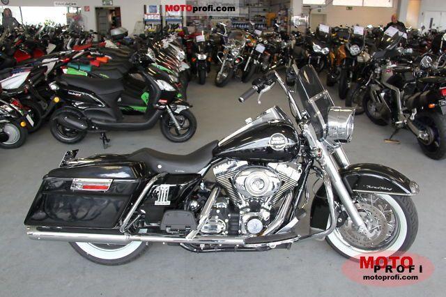 Harley-Davidson FLHRC Road King Classic 2008 photo