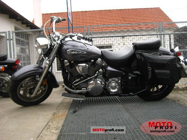 Yamaha Road Star 2008 photo