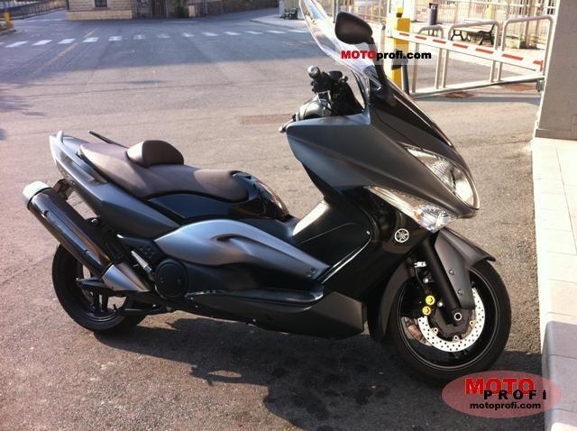 Yamaha TMAX 2008 photo