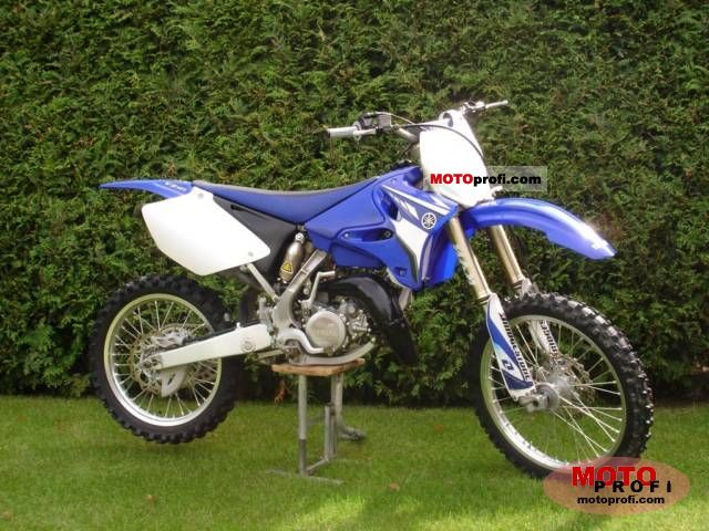 Yamaha YZ 125 2008 photo