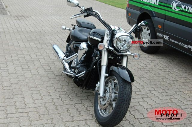 Yamaha XVS1300A Midnight Star 2009 photo