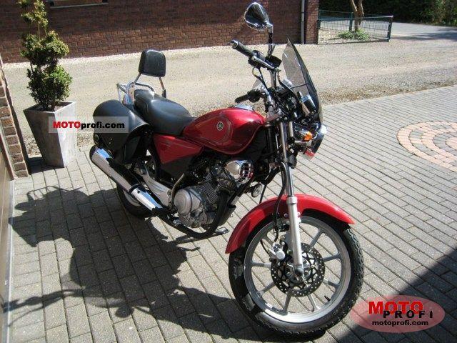 Yamaha YBR125 Custom 2009 Specs and Photos