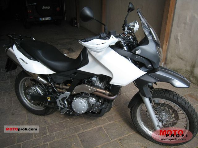 Aprilia Pegaso 650 Trail 2010 photo