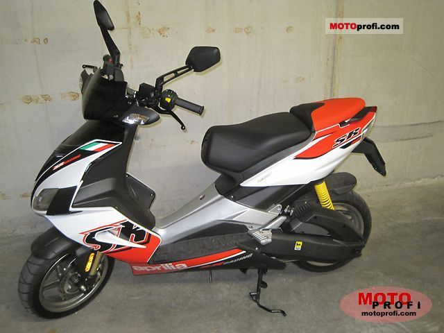 Aprilia SR 50 R Factory 2010 photo