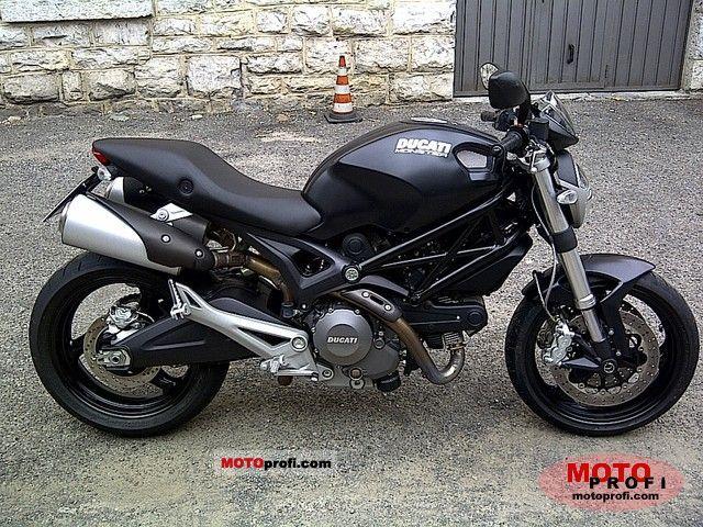 Ducati Monster 696 2010 photo