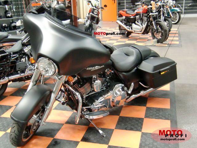 Harley-Davidson FLHX Street Glide 2010 photo