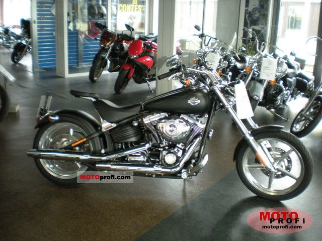 Harley-Davidson FXCWC Softail Rocker C 2010 photo