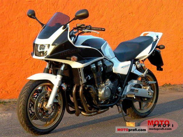 Honda CB1300SA 2010 photo