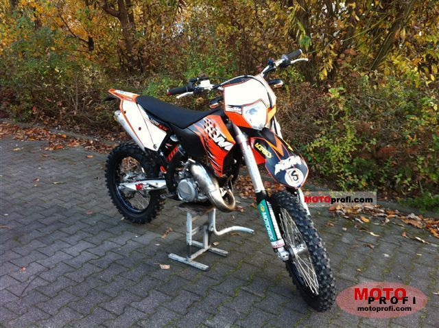 ktm 125 exc 2010 specs and photos. Black Bedroom Furniture Sets. Home Design Ideas