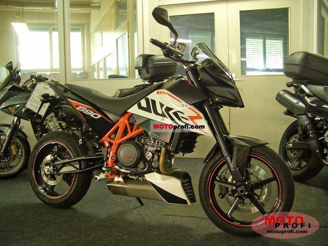 KTM 690 Duke R 2010 photo