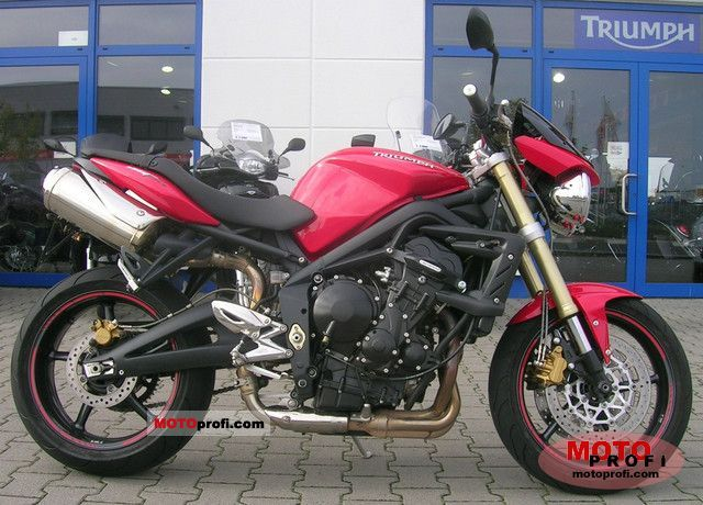 Triumph Street Triple 2010 photo