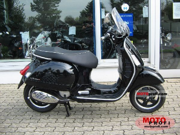 vespa gts 125 2010 specs and photos. Black Bedroom Furniture Sets. Home Design Ideas